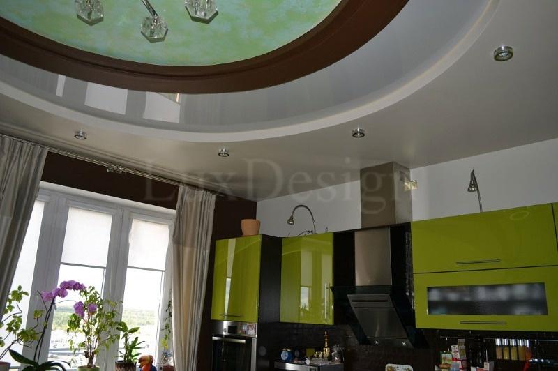 Натяжные-потолки-на-кухне.jpg