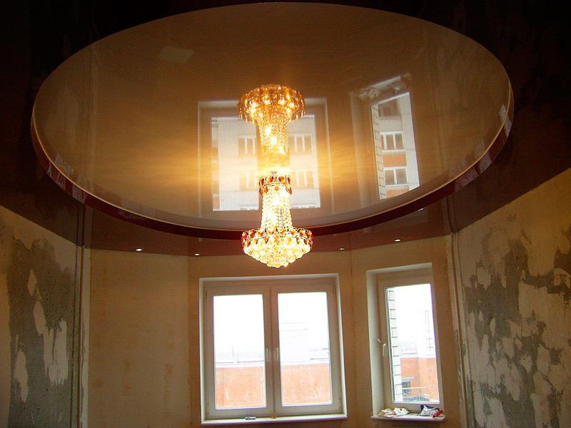 натяжной потолок в гостиной.jpg