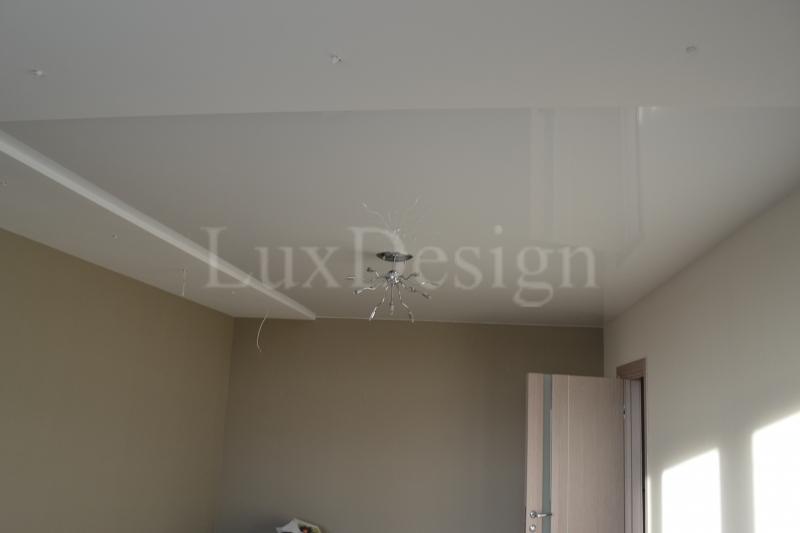 натяжные потолки в гостиной вставка в гипсокартон.JPG