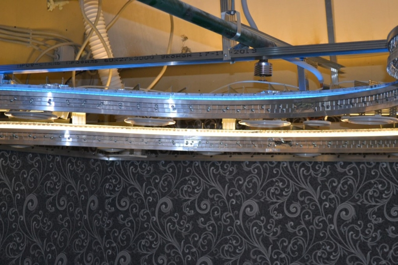 конструкция многоуровневого натяжного потолка со светодиодной подсветкой.JPG