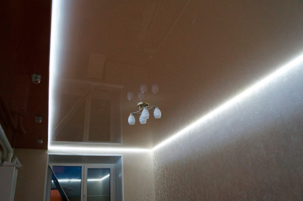 парящий-потолок-натяжной-фото_6.jpg