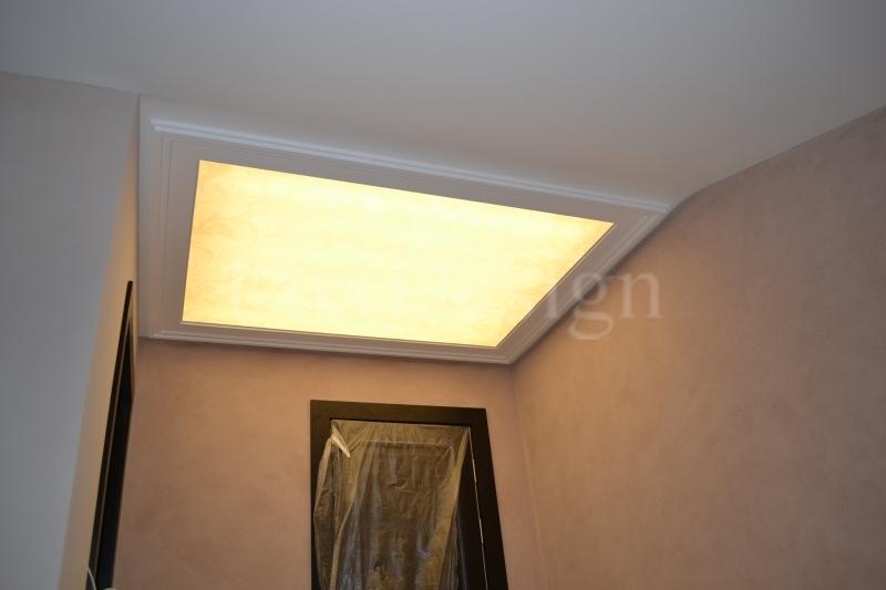 Светодиодный натяжной потолок в мансарде.JPG
