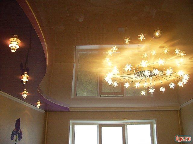 фото натяжных потолков в зале_31.jpg