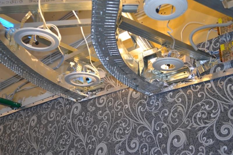 светодиодная конструкция для натяжного потолка.JPG