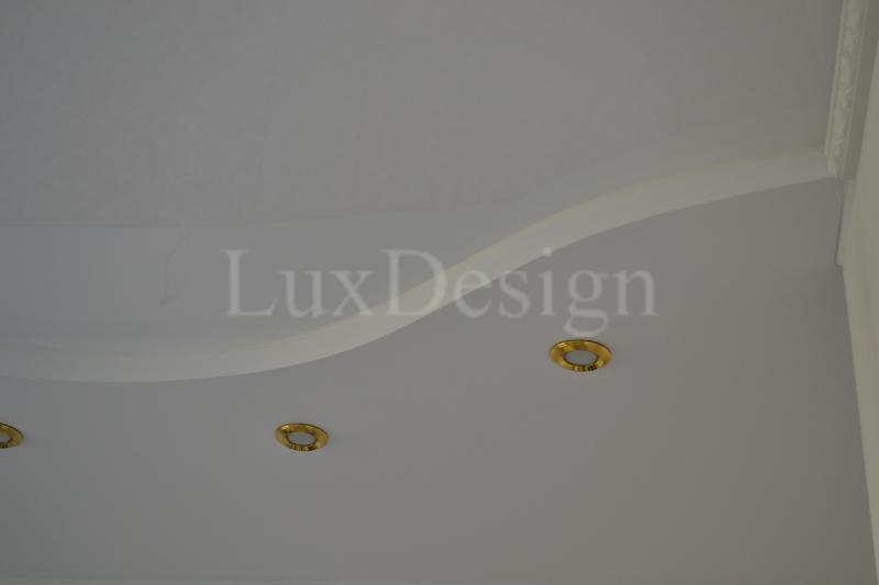 матовые натяжные потолки на кухне.JPG