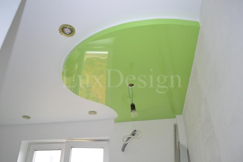 Двухуровневые натяжные потолки белый и зеленый глянец.JPG