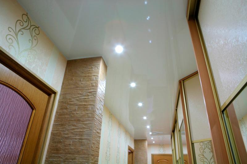 натяжной потолок в прихожей фото_12.jpg