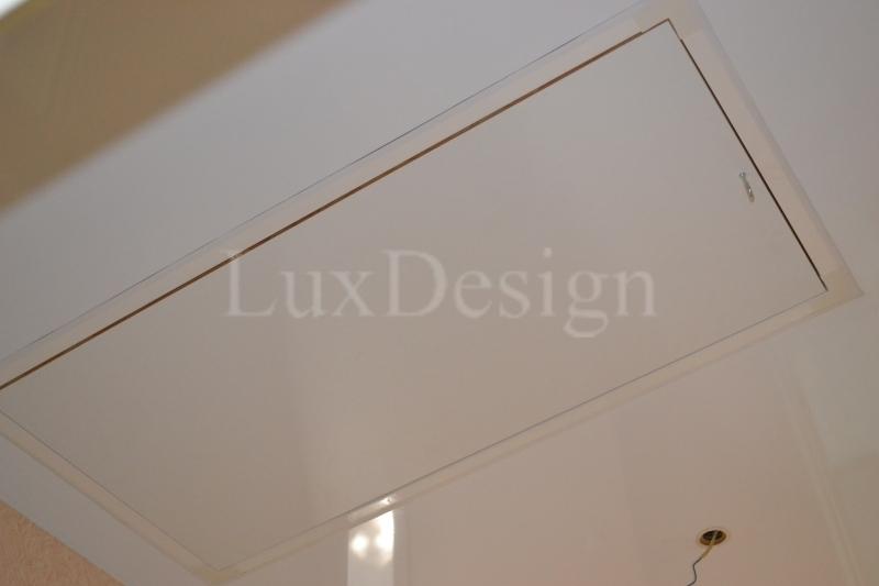 Натяжные потолки  в мансарде со скрытой лестницей.JPG
