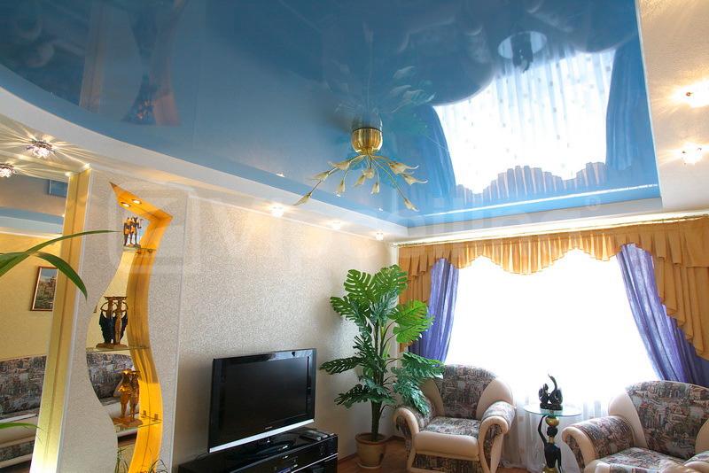 фото натяжных потолков в зале_8.jpg