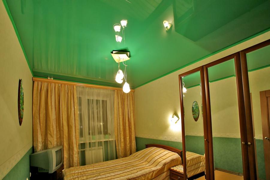 натяжные потолки в спальне фото_22.jpg
