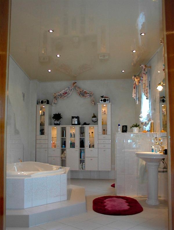 натяжные потолки в ванной фото-4.jpg